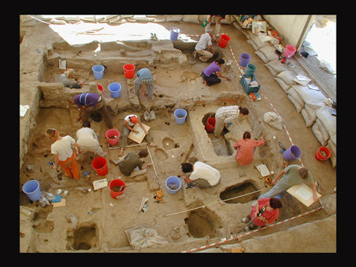 Different Excavation Styles create Different Windows into Çatalhöyük (2000)
